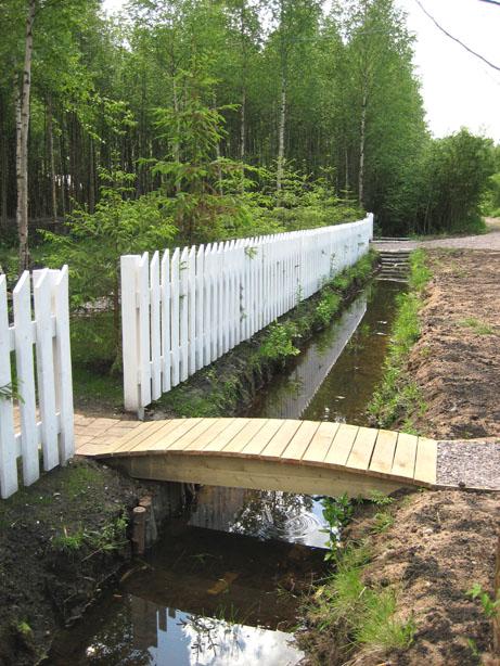 Как сделать мостик через канаву своими руками